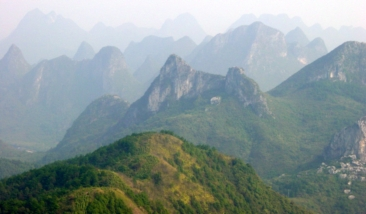 Guilin Yiu Shan Mountain 01