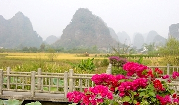 Yangshuo Place Of Peach Blossom 05